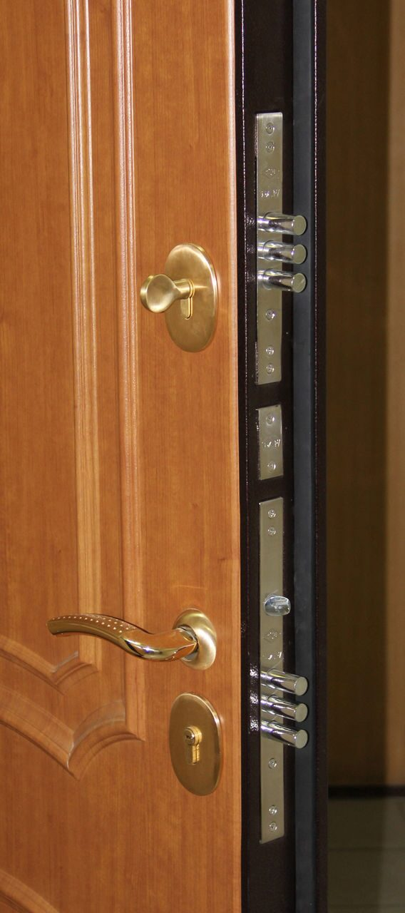 делают железные двери 4 5 мм